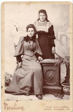 04 - Maggie & Rose Cooper